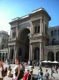 Galleria Vittorio Emanuele II: Candid view of Mariela & Maria Jose